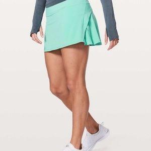Lululemon play off the pleats skirts size 6